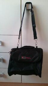 schwarze Reisetasche, große Kulturtasche von Leonardo
