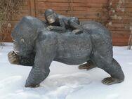 Affe Gorilla mit Baby  Dekofigur für Haus und Garten - Hergisdorf