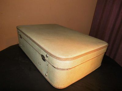 Alter Reisekoffer 1960 / Koffer aus Hartplatte / Koffer mit Lederbeschlägen - Zeuthen