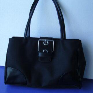 Handtasche schwarz m. besonderem Flair, noch unbenutzt - Simbach (Inn) Zentrum