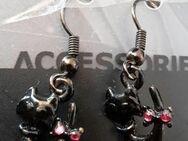 Ohrrinnge schwarze Katze mit Schleife aus rosa Glassteinen - Dortmund Aplerbeck