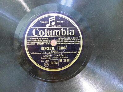 Columbia Schellackplatte André Claveau / Berceuse Tendre, Ah i C´ Qu´on SAimait - Zeuthen