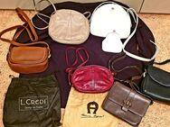 Markendamenhandtaschen im Set - Fürstenfeldbruck