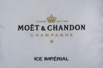 1 x Moet Indoor Kissenbezug Kissen Champagner Kissenbezüge Wohnzimmer - Nienburg (Weser)