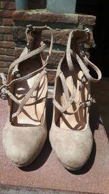 Pumps/High Heels, neu, mit Schnürung und 10 cm Absatz, beige, Gr. 38