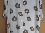 Bluse, 1/2 Arm, weiß mit Blumen, Gr: 40 - Immenhausen