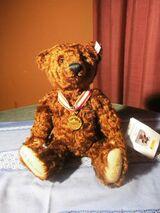 STEIFF Bärliner Teddybär, Deutschlandbär 2001 mit Musikwerk, 33 cm / Sammler