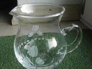 Glas Krug Gießer Vase 10,5 cm Blumen-Dekor Deko 2,50 - Flensburg