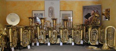 Cerveny Arion Tuba in B, Mod. CBB 683-4 inkl. Rollenkoffer, Neuware - Hagenburg