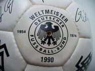Fussball der Wm 1990 mit Autogrammen der Spieler - Mainz