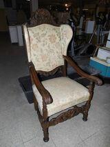 Ohrensessel mit Armlehnen im antiken Stil / Sessel aus Echtholz / Polstersessel