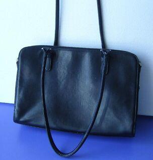 Handtasche in Leder schwarz, wie neu, da noch unbenutzt - Simbach (Inn) Zentrum