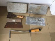 Werkzeug > verschiedene > Putzbrett,Spachtel,Fliesenspachtel usw. - Emsdetten Zentrum