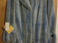"Gr. 40/42: Rosa + Hellblaue Plüschfell-Jacke ""Creation Monikha LAVR Paris"" (neu) - München"