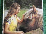 """Sehr schönes Kinderbuch """"Kleine Pferde-Geschichten"""", Symposium Verlag, stammt aus 1982, 75 Seiten, ISBN: 3920877217, zum Schutz für weiteren Gebrauch schon eingebunden, sehr guter Zustand, 3,- € - Unterleinleiter"""