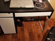 Schreibtisch v Ikea - Delitzsch