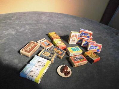17teiliges Konvolut Waren für den Kaufmannsladen um 1965 aus der ehemaligen DDR - Zeuthen