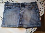 Jeans Minirock Gr. 36 - Blau mit Applikationen - Neu - - Alzey