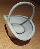 Zierliches Porzellan Körbchen als Teelichthalter oder Mini Blumenübertopf