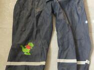 Kinder Matschhose blau, Dino, Größe 110 mit kleinem grünen Dinosaurier - Bibertal