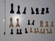 alte unvollständige Schachfiguren Bundesform aus Holz um 1930 KH 5,95 - Nürnberg