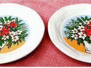2 Keramik-Wandteller mit Blumenmotiv - ca. 20 cm Durchmesser - Groß Gerau