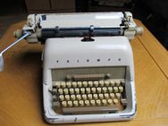 Kofferschreibmaschine Triumph   (siehe Foto´s) - Hamm