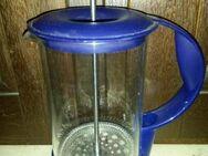 Milchaufschäumer, Glas mit blauem Kunststoff-Griff - Regensburg