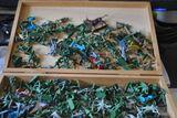 Sammlung von ca. 230 Militärfiguren aus Kunststoff - geeignet für Modellbau