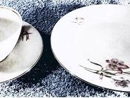 1 Kaffee-Gedeck - Dessertteller / Unterteller / Tasse mit Blumenmotiv - Groß Gerau