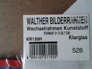 Zwei Walther Bilderrahmen. - Kassel Brasselsberg