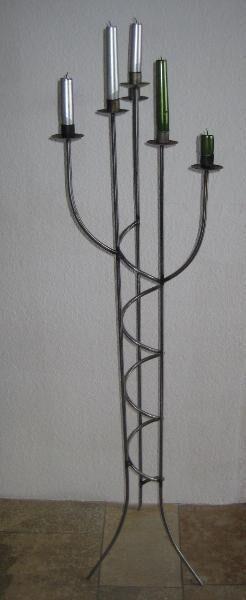 Neuwertiger Kerzenständer für 6 Kerzen, Edelstahl, ca. 1 m Höhe, perfekter Zustand, 10 € - Unterleinleiter
