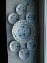 Victoria Blue No. 7050: 1 Durchbruch-Schale/Gebäckschale 18 cm + 6 Konfektteller/Snack-Teller 10 cm, Sigma Porzellan- zusammen 49,-