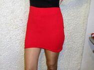 Minikleid / Mini / Kleid / Rock / Kleidung /Schwarz-Rot / gr. 36/38