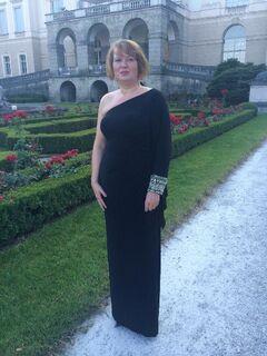 Gr. 14: One-Shoulder-Abendkleid, schwarz, lang, NP 479,- - München