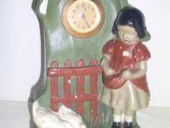Antike Gipsfigur Gänselisel mit Uhr - Marl Zentrum