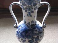 Vase aus Delter Porzellan - Übach-Palenberg