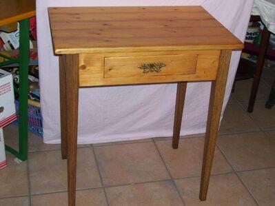 Eichenschrank,- Nachttisch,-Bank, Kommode- Standuhr.Tische. - Telgte Zentrum