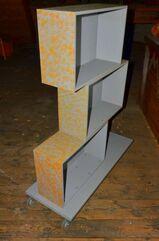 Rollregal Regal Eigenbau lackiert
