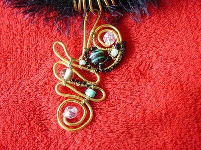 Halsband oder Kette mit schön gearbeitetem Anhänger - Immenhausen