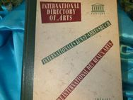 ^Buch Internationales Kunst-Adressbuch / International Directory of Arts 1956/57 - Zeuthen