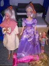 Biete original 4 Barbie Puppen, Gesamtpreis von 171,- € an!