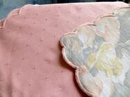 Tischdecke mit passender Mitteldecke in rosa - Dortmund