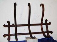 Thonet Wandgarderobe aus Nussbaum / Garderobe mit vier Kleiderhaken - Zeuthen