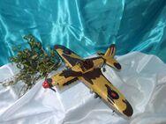 Nostalgie Flugzeug / Propellerflugzeug Bomber / Modellflugzeug aus Blech / NEU - Zeuthen