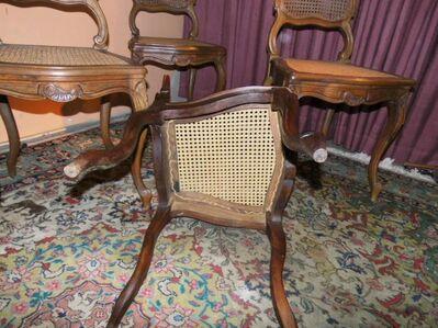 Antike Stuhlgruppe 1900 / vier geschnitzte Holzstühle mit Wiener Korbgeflecht - Zeuthen