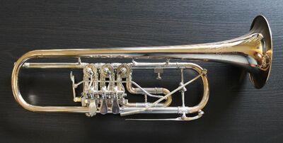 Kühnl & Hoyer Konzert - Trompete Goldmessing mit Überblasklappe inkl. Koffer - Hagenburg