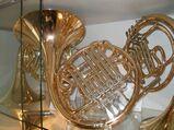Hans Hoyer Bb / F - Waldhorn / Doppelhorn Mod. 704. Neuinstrument inkl. Rucksackkoffer und Mundstück