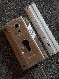 Einschraubmutter M 8 x 15 - Ulmen Ulmen