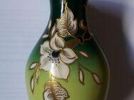 Vase mit Goldrelief Schaubach Kunst Porzellan - Plettenberg